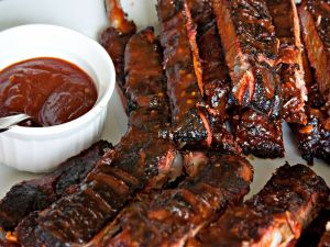 Roasted ribs with barbecue sauce