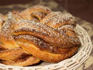 Braided sweet bread
