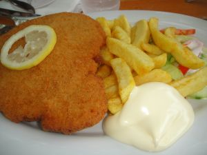 Fish fillet with chips and mayonnaise