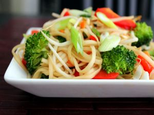 Oriental noodles with vegetables