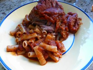 Macaroni with meat in sauce