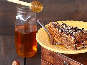 Cake with honey, nuts and chocolate