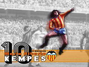 The footballer Mario Alberto Kempes