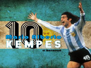 "Kempes with ""La Albiceleste"""