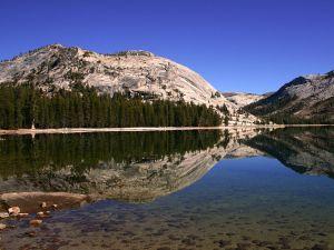 Tenaya Lake in Yosemite National Park