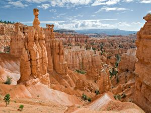 The natural rock formation Thor's Hammer in Bryce Canyon National Park