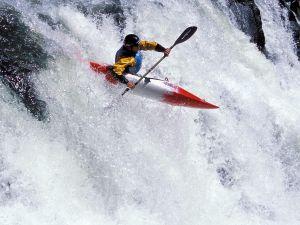 Pirogue in a cascade