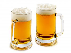 Foaming beer mugs