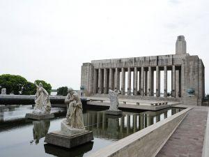 Lola Mora statues in Oath Passage (Rosario, Argentina)