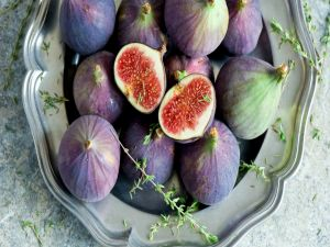 Figs on a tray