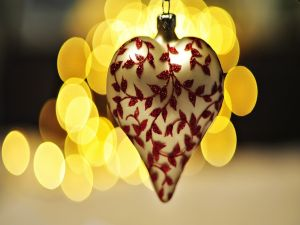 Heart shaped pendant