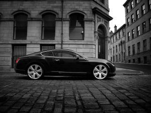 Bentley Continental through the streets of the city