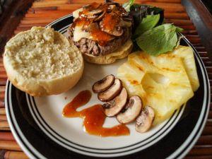 Hamburger with braised pineapple