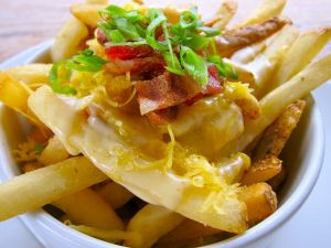 French fries with cheese