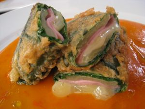 Chards stuffed with pepper sauce