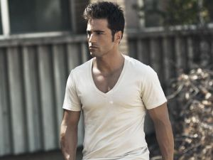 David Bustamante with white shirt