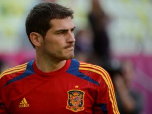 Iker Casillas with the Spanish team jersey