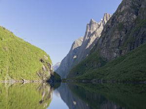 Dalavatnet lake in Litldalen (Norway)