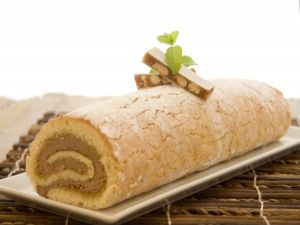 Swiss roll filled with nougat