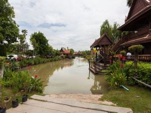 Floating market in Ayutthaya, Thailand