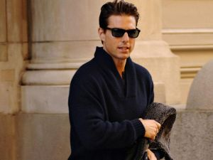 Tom Cruise with sunglasses
