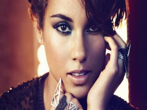 Alicia Keys with rings