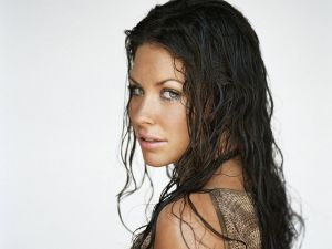 The look of Evangeline Lilly
