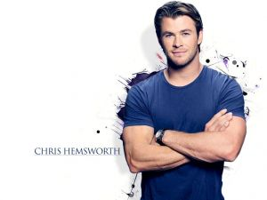 Chris Hemsworth, happy