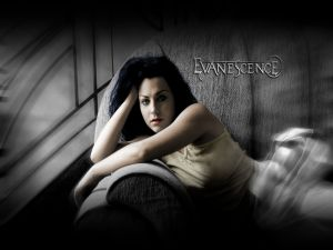 Vocalist of Evanescence