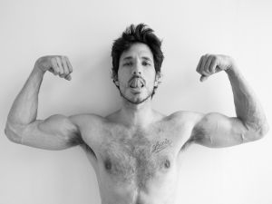 Andres Velencoso and his muscles