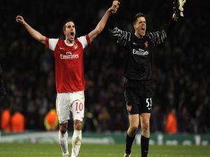 Robin Van Persie and Wojciech Szczesny (Arsenal)