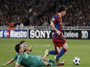 Messi escaping of rivals