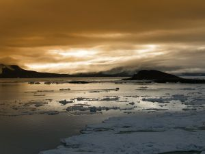 Ice sheets in the water