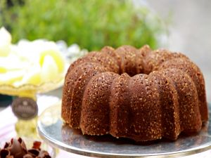 Bundt Cake with chocolate and almonds