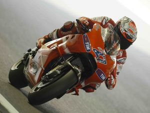 Ducati 27, piloted by the Australian Casey Stoner (MotoGP)