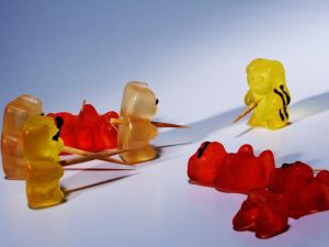 Gummi bears fighting