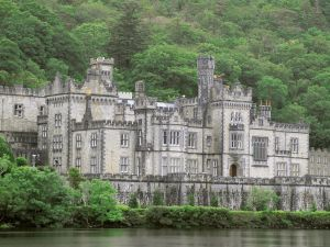 Kylemore Castle-Abbey (Ireland)