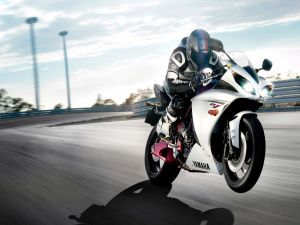 Yamaha R1, in the road