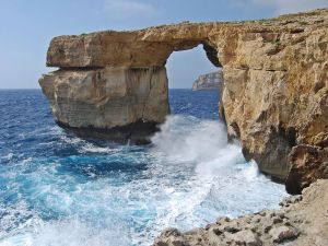 """""""The blue window"""" west of the island of Gozo"""