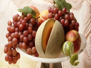 Fruit bowl with various fruits