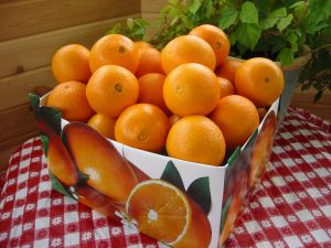 Box with oranges