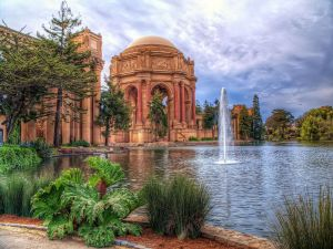 Palace of Fine Arts, in the Marina District (San Francisco)
