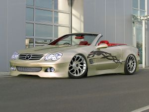 Mercedes car with a nice drawing
