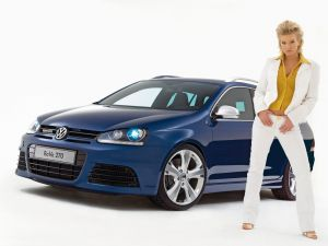Volkswagen Golf Variant Rave 270, and a model woman