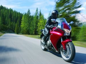 Honda VFR 1200F, on the road