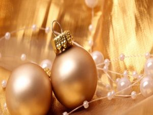 Golden ornaments for the tree