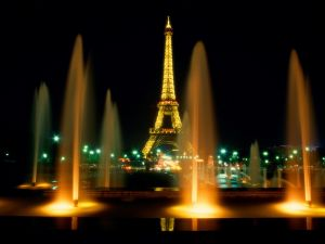 Illuminated water fountains in Paris