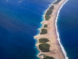 Strip of land between two waters