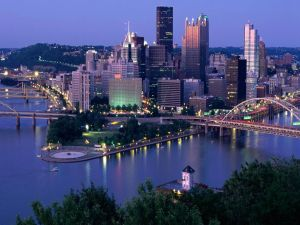 Night in the city of Pittsburgh