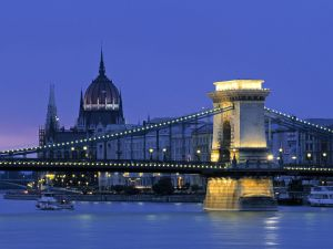Night at the Chain Bridge, Budapest